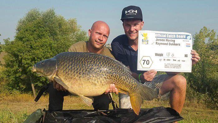Ook de bazen van Nipro hengelsport hebben hun eerste vis geland!