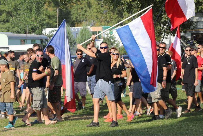 De Nederlandse vlag zwaait!