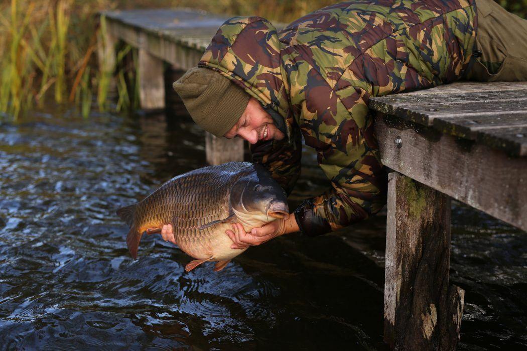 het-inkorten-van-je-onderlijn-maakt-wintervissen-een-stuk-effectiever