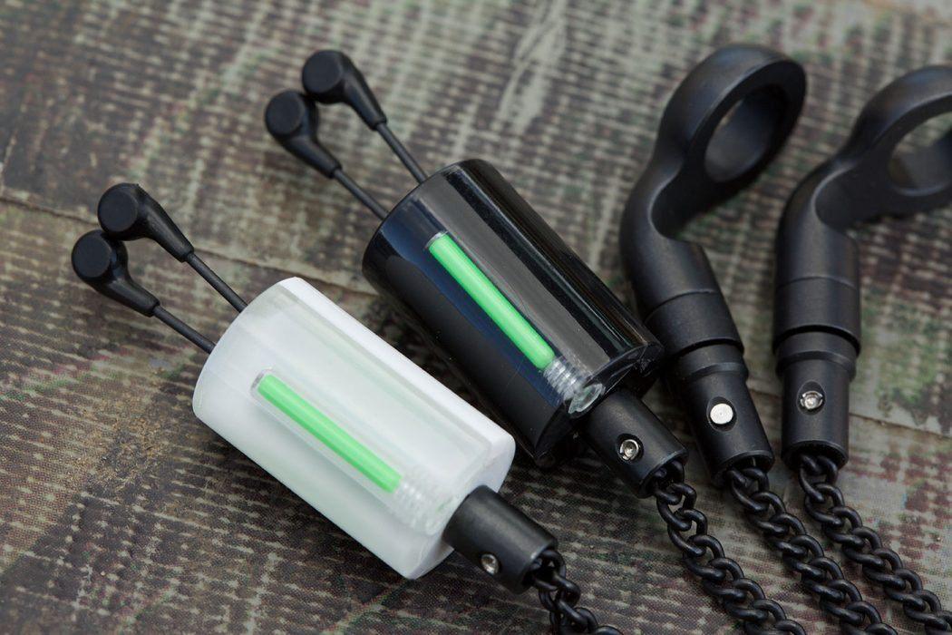 korda-black-and-white-hangers-header