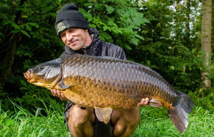 Karpervissen op de Belgische kanalen met Ian Thiels