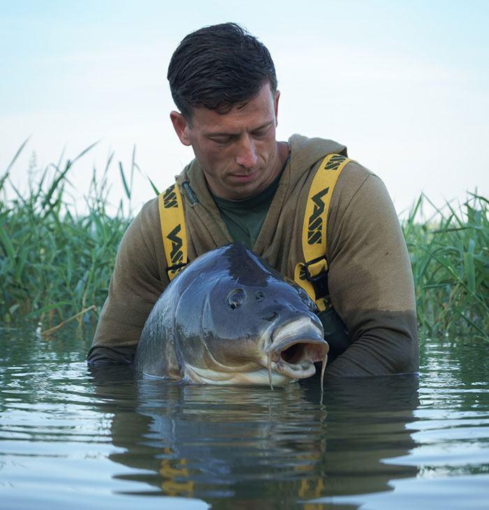 Must see: Frankrijk vissen met Lesley Adamzek
