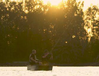 CC Moore video: Chris en Michel vissen op de Kempische Kleiputten