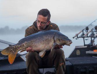 Topvideo: Bootvissen op karper met Martijn Nederpel in Nederland