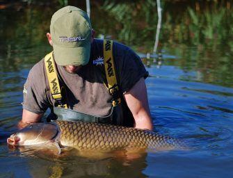 Videotime: Remond van Dijk & Michiel Pilaar vissen op groot water in Nederland