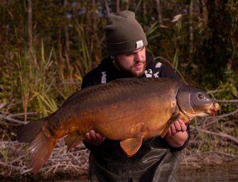 Tips & tricks voor actief wintervissen – Op zoek naar de vis met Freek Elbers