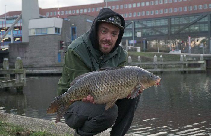 Stadsnomaden 2.0 – Urban fishing met Bas van der Werff