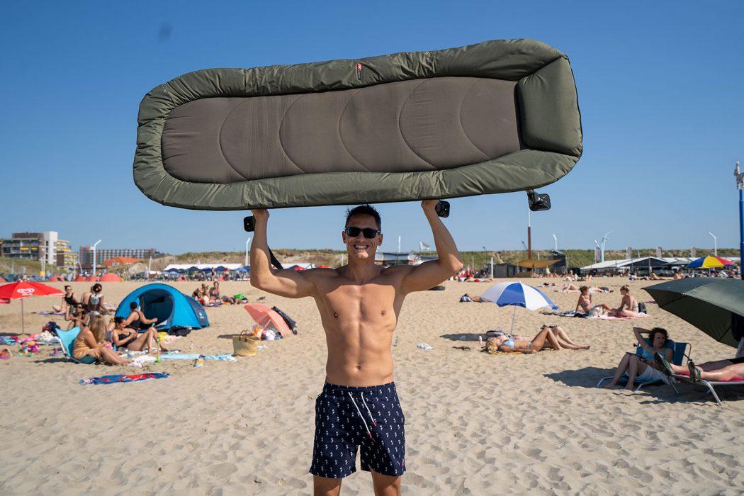 Waterkant of strand? Het Stealth X-Lite Levelbed van JRC neem je overal mee naartoe!